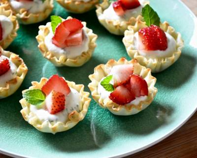 Cold Phyllo Tartlets With Cream Cheese And Dill Toppings Recipe