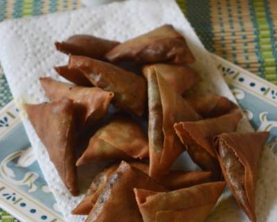 Mushroom, Paneer And Soya Chunk Samosa Recipe