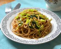 Thai Style Noodles With Spinach And Leeks Recipe