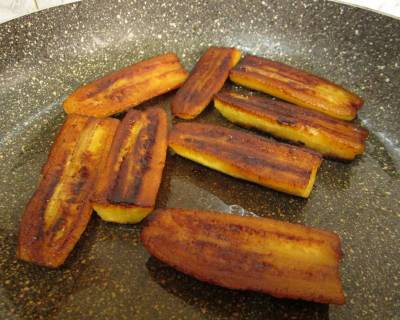 Caramelized Ripe Plantains Without Added Sugar Recipe (Caramelized Nendran)