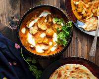 Mushroom Pasanda Recipe (Butter Fried Mushrooms in Tomato Almonds and Cream Gravy)