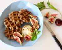 Healthy Waffles with Greek Yogurt, Figs and Sweet Dukkah Recipe