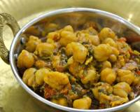 पालक छोले - Palak Chole (Recipe In Hindi)