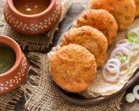 Pyaaz Kachori Recipe