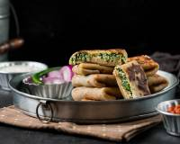 Whole Wheat Spinach Paneer Lifafa Paratha Recipe