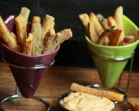 Healthy Vegetable Fries Recipe (Oven roasted Potato, Zucchini and Carrot Fries)