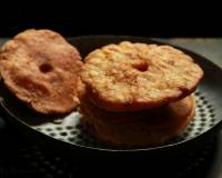 Thenga Vada Recipe (Spicy Coconut Fritters)