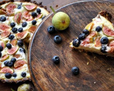 Baked Yogurt Tart Recipe with Figs & Blueberries Recipe(With Eggless Recipe Option)