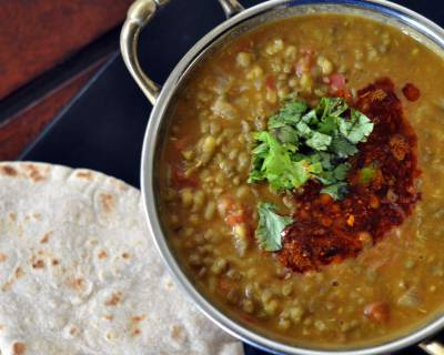 Punjabi Sabut Moong Ki Dal Recipe (Whole Green Lentils Cooked With Punjabi Spices)