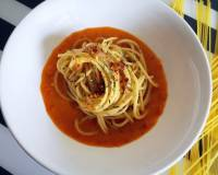 Garlic Spaghetti with Roasted Red Bell Pepper Sauce Recipe (Vegan)