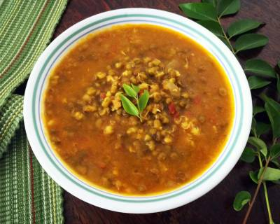 Konkan Style Modachya Moongachi Amti Recipe-Sprouted Moong Bean Curry