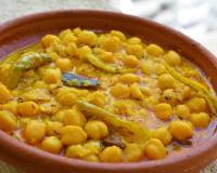 Himachali Chana Madra Recipe (Chickpeas In Yogurt Based Gravy)