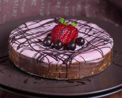No Bake Poha & Millets Chocolate Tart With Strawberry Cheese Recipe