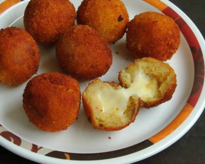 Mozzarella Stuffed Potato Balls Recipe