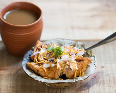Matar Samosa Chaat Recipe (A Delicious Evening Tea Time Snack)