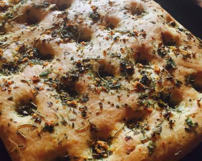3 Herbed Focaccia Bread Recipe (Eggless)