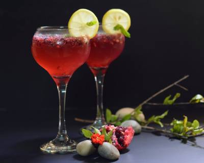 Fizzy Pomegranate Mint Mocktail Recipe
