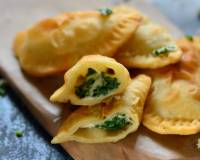 Spinach & Cheese Gujiya Recipe
