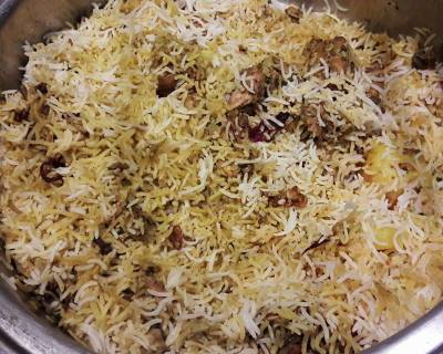 Kashmiri Style Yakhni Pulao With Chicken Recipe