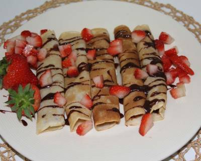Eggless Nutella Crepes With Strawberries Recipe