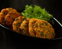 Bhaji Vada Recipe (Lentil And Vegetable Fritters)