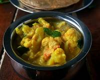 Cauliflower Kurma (Tamil Nadu Restaurant Style Cauliflower Chops) Recipe