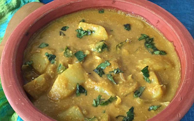 Kongunadu Urulai Kurma Recipe (Curried Potatoes from Kongunadu)