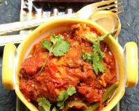 Aar Macher Jhol Recipe - Bengali Style Fish In Tomato Gravy