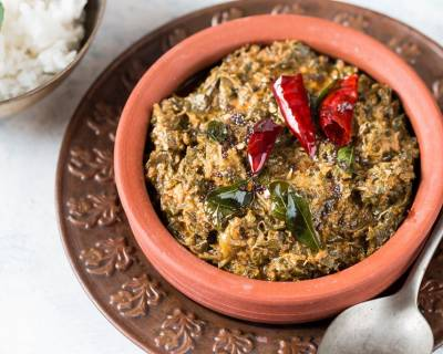 Padipe Saasmi Recipe - Udupi Style Amaranth Leaves Curry With Coconut & Tamarind