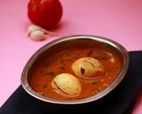 Varutharacha Mutta Curry Recipe