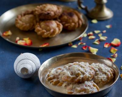 Natorer Luchir Payesh (Milk Pudding With Fried Flatbread)