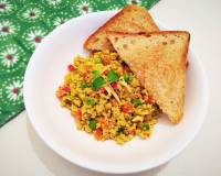 Akoori with Green Peas Recipe (Parsi Style Scrambled Eggs with Green Peas)