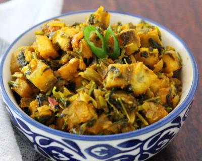 Methi Aur Kache Kele Ki Sabzi Recipe-Fenugreek Greens & Raw Banana Stir Fry