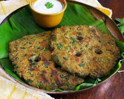 Methi Jowar Ragi Thalipeeth Recipe - Healthy Diabetic Friendly Recipe