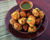 Palak And Moong Dal Pakodas Recipe