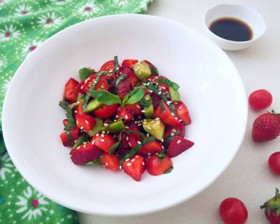Strawberry and Avocado Caprese Salad Recipe