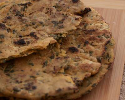 Makki and Methi Roti Recipe