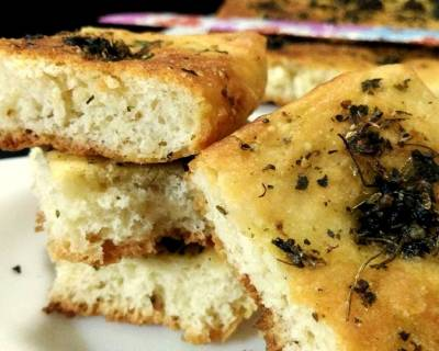 Eggless Herbed Focaccia Bread Recipe