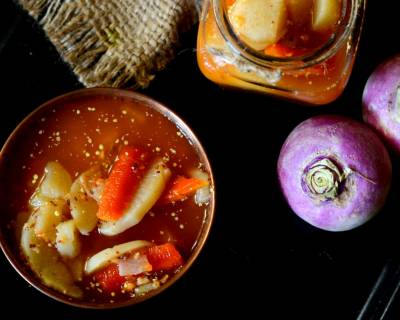Gajar Shalgam Ka Paani Wala Achar Recipe - Carrot And Turnip Pickle