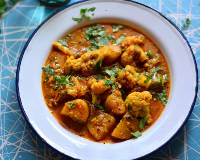Potato And Cauliflower In Peanut Curry Recipe