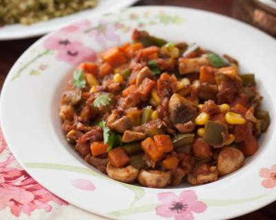 Carrot, Capsicum, Mushroom & Sweet Corn Tawa Sabzi Recipe