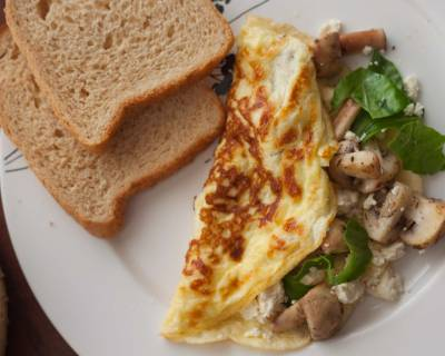 Mushroom & Goat Cheese Omelette with Spinach Recipe