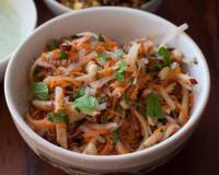 Raw Papaya, Apple & Carrot Salad Recipe