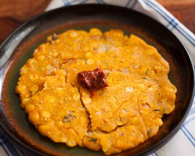 Andhra Style Sarva Pindi/Gine Pindi Recipe (Rice Flour and Chana Dal Flatbread Recipe)