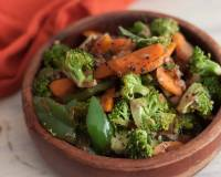 Broccoli, Carrot And Capsicum Sabzi Recipe