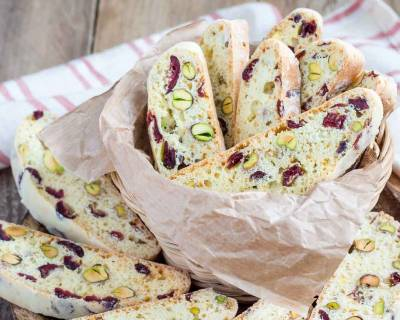 Eggless Cranberry Pistachio Biscotti Recipe