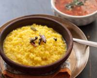 Karnataka Style Huggi (Rice and Moong dal Savory Porridge)
