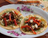 Soft Taco With Mushroom and Roasted Bell pepper Sauce Recipe