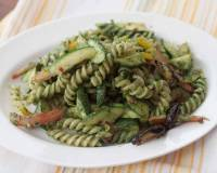 Spirulina and Mint Basil Pesto Pasta Recipe