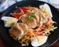 Steamed Chicken With Salad Recipe